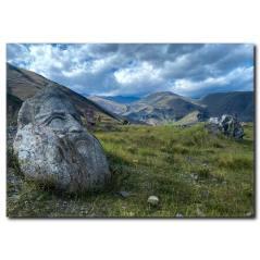Kaya Heykeller ve Dağ Manzarası Kanvas Tablo