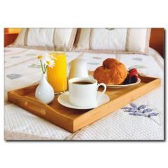 Yatakta Kahvaltı Temalı Kanvas Tablo
